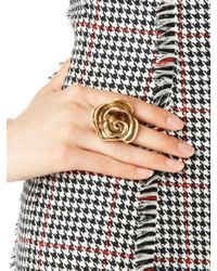 Oscar de la Renta | Metallic Carved Rose Cocktail Ring | Lyst