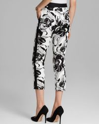 Adrianna Papell Black Tropical Print Cropped Pants