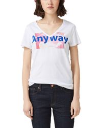 Q/S designed by White Shirt