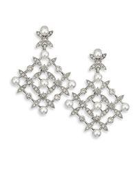 Oscar de la Renta - Metallic Lattice Crystal & Faux Pearl Chandelier Earrings - Lyst