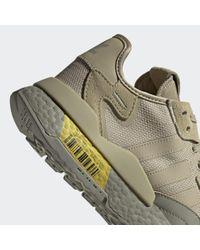 Scarpe Nite Jogger di Adidas in Gray