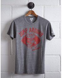 Tailgate Gray Men's Wisconsin Jump Around T-shirt for men