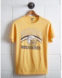 Tailgate Yellow Men's Michigan Basketball T-shirt for men