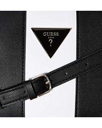 Kamryn Crossbody Top Zip di Guess in Black
