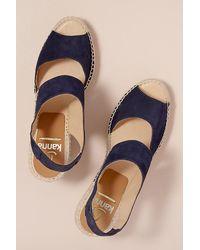 Sandales en daim à semelle plateforme en jute Kanna en coloris Blue