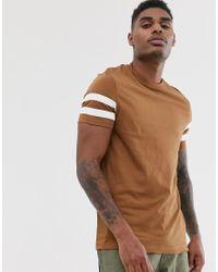 Camiseta de tejido orgánico en marrón con rayas en las mangas ASOS de hombre de color Brown