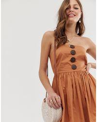 Robe d'été mi-longue style bandeau avec boutons en noix ASOS en coloris Brown