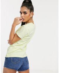 Camiseta en verde luminoso con rueda arcoíris Nike de color Green