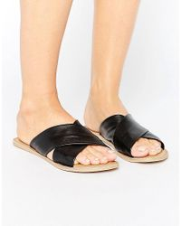 London Rebel Black Flat Leather Mule Sandal