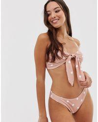 Top bikini a pois con nodo sul davanti di Fashion Union in Brown