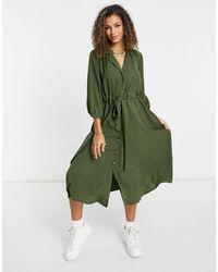 Vestido camisero midi con botones y cintura fruncida en caqui ASOS de color Green