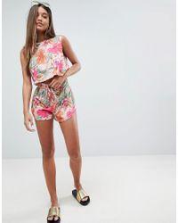 Pantalones cortos de punto con detalle fruncido en el lateral y diseo tropical de (parte de un conjunto ASOS de color Multicolor