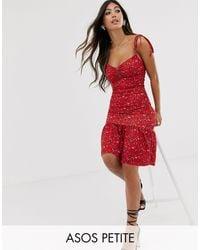 ASOS Asos Design Petite - Gelaagde Mini-jurk Met Fijne Print in het Red