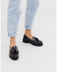London Rebel Loafers Met Dikke Zool, Brede Pasvorm En Kwastjes in het Black