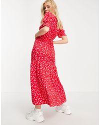 Vestito midi rosso a fiorellini con maniche arricciate allacciato sul retro di New Look in Red