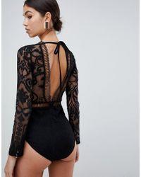 Body negro con parte delantera escotada en encaje Love Triangle de color Black