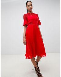Vestido midi plisado con aplicación ASOS de color Red