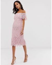 Robe mi-longue style Bardot en dentelle Little Mistress en coloris Pink