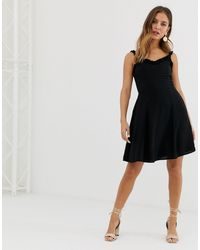 Vestido veraniego con borde New Look de color Black