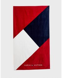 Tommy Hilfiger Diagonal Icon Flag Logo Towel In Red/white/navy for men