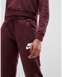 Nike Red – Rally – Legere Jogginghose mit Logo