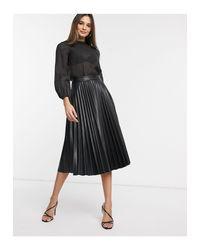 Blusa con mangas voluminosas Vero Moda de color Black