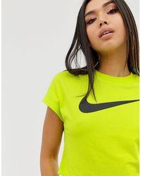Nike Yellow – Kurzes T-Shirt mit Swoosh-Logo