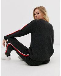 Maglione girocollo con riga laterale a contrasto coordinato di Micha Lounge in Black