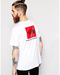 Camiseta con cuadrado rojo con el logo The North Face de hombre de color White