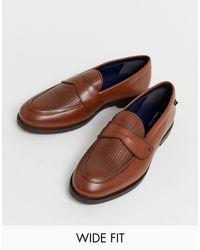 Farah – Hellbraue Loafer aus gewebtem Leder, weite Passform in Brown für Herren