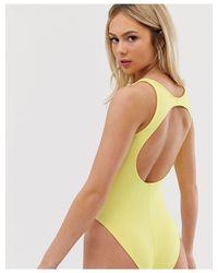 Body giallo con cut-out sul retro di Miss Selfridge in Green