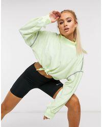 Nike Green – City Ready – Kurz geschnittener Fleece-Pullover