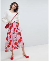 Falda midi con estampado de rosas Gestuz de color Pink