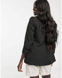 Blazer nero con maniche arricciate di New Look in Black