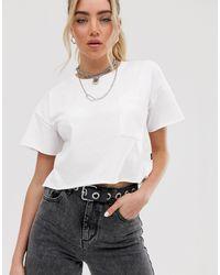 T-shirt corta oversize bianca con spalle scivolate di Noisy May in White