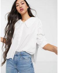 Blusa con vestibilità e colletto oversize bianca di Monki in White