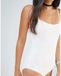 Motel - White Cami Body With Scoop Back In Ditsy Lace - Lyst