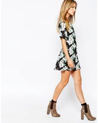 Glamorous | Black Wrap Front Tea Dress In Cluster Floral Print | Lyst