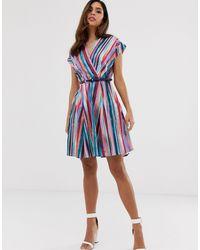Closet - Vestito a portafoglio con pannelli di Closet in Multicolor