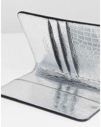 Coffret étiquette à bagages et étui pour passeport Carvela Kurt Geiger en coloris Metallic