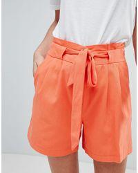 Short ajusté avec ceinture Oasis en coloris Orange