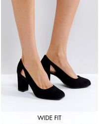 New Look Black Suedette Cut Out Block Heeled Court Shoe