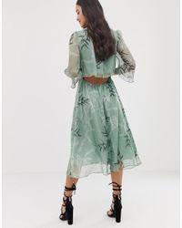 Vestido midi con estampado de hojas Liquorish de color Green