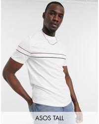 Camiseta blanca con bolsillos y ribetes en contraste ASOS de hombre de color White