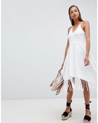 Vestido veraniego de estilo pañuelo con borlas en el bajo ASOS de color White