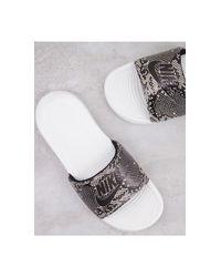Серые Шлепанцы Со Змеиным Принтом Victori-серый Nike, цвет: Gray