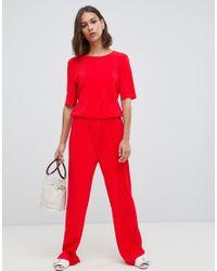 Tuta jumpsuit semplice di Minimum in Red
