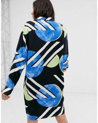 Vestido camisero con estampado abstracto de lunares exclusivo Native Youth de color Blue