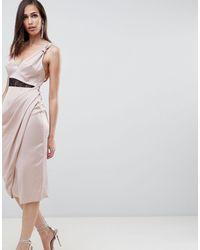 Robe mi-longue en satin avec empiècements contrastants en dentelle ASOS en coloris Natural
