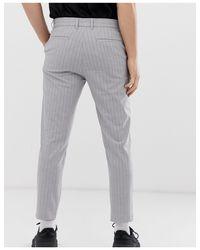 Pantalon court ajusté à fines rayures Bershka pour homme en coloris Gray